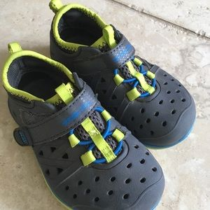 Stride rite water shoes toddler 6
